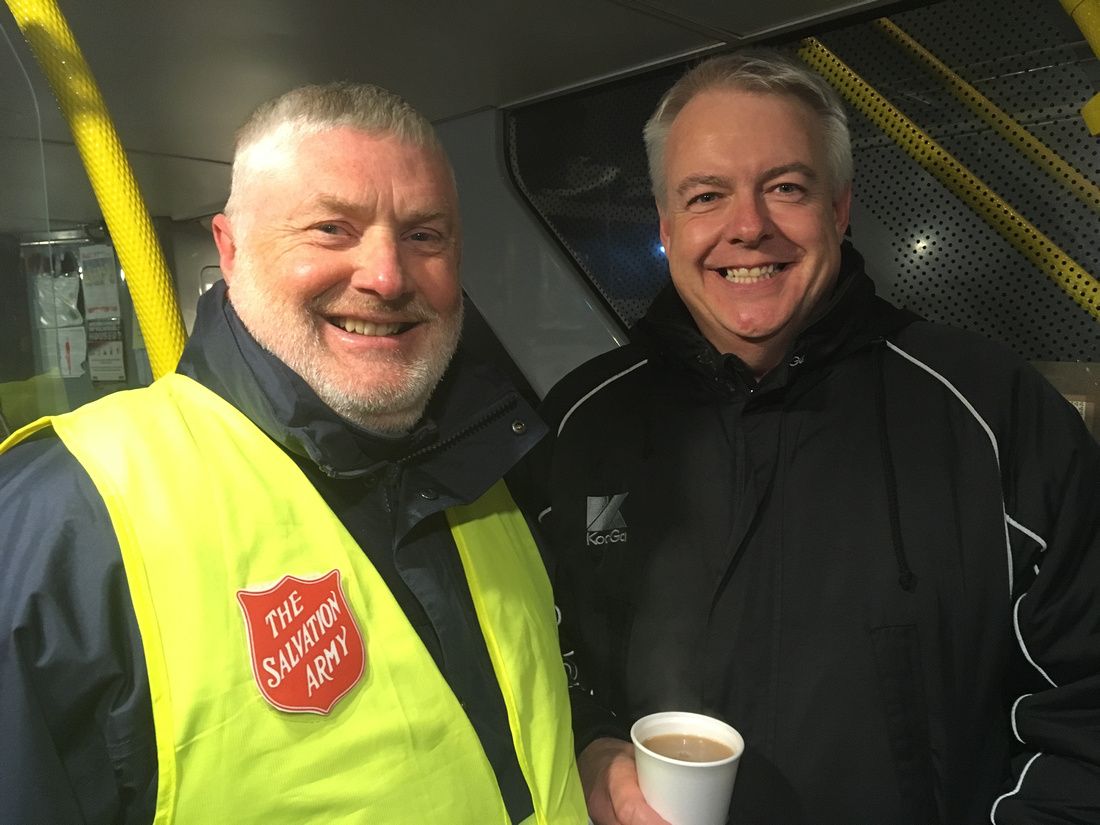 L_R-Major_David_Emery_and_First_Minister_Carwyn_Jones_on_the_Bus_Project_11.12.2017
